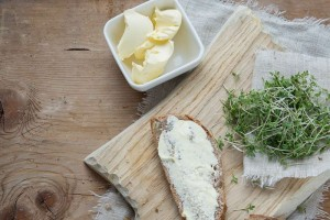 黄油都带有反式脂肪酸吗如何选择优质黄油